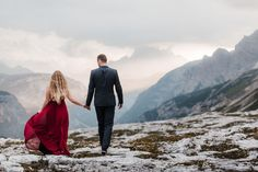 Adventure Session in the Italian Dolomites. Hiking Tre Cime di Lavaredo for a sunset couple session. Elopement Wedding, Elope Wedding, Adventure Couple, Hiking Dogs, Mountain Elopement, South Tyrol, Elopement Inspiration, Wedding Photography, Europe