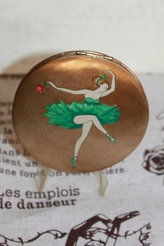 Ballerina in Green Tutu Powder Compact Mirror. By Stratton of London. French Cocktails, Stratton Compact, Green Tutu, Single Red Rose, English Cottage Style, Ballet Images, Compact Mirror, Bud Vases, Art Forms