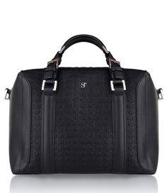 De Burton Bag is een trendy tas van SuperTrash! De tas sluit door een ritssluiting en bevat twee opbergvakken. Een musthave voor elke vrouw. (€99,95)