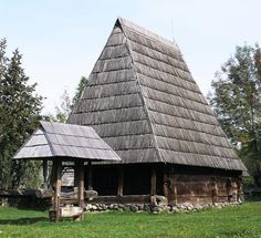 Vernacular Architecture, Round House, Traditional House, Home Fashion, Romania, Bamboo, Exterior, House Styles, Building