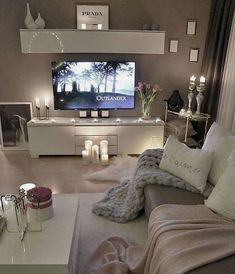 41 Amazing little apartment living room - Wohnzimmer-Ideen - Living Room Decor Cozy, Home Living Room, Living Room Designs, Living Room Candles, Living Room Colors, Small Apartment Living, Small Apartments, Small Spaces, Apartment Couch