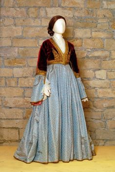 peloponnese costume - Google Search Historical Costume, Historical Clothing, Arabian Nights Costume, Empire Ottoman, Hijab Dress Party, Fairy Tale Costumes, Arabian Women, Fairytale Dress, Ethnic Dress