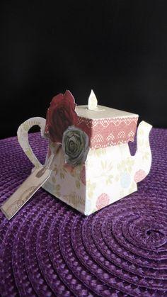 Pour commencer ce mois de décembre bien nuageux je vous invite à prendre le thé . Et je partage avec vous le tuto de la théière et de la tasse,j'ai trouvé les modèles il y a quelque temps sur pinterest, trop mimi pour une déco de tables de fêtes. Pour...
