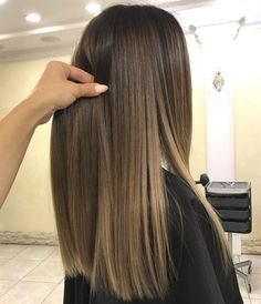 Here's Every Last Bit of Balayage Blonde Hair Color Inspiration You Need. balayage is a freehand painting technique, usually focusing on the top layer of hair, resulting in a more natural and dimensional approach to highlighting. Hair Highlights, Color Highlights, Highlights For Indian Hair, Indian Hair Color, Light Brown Highlights, Caramel Highlights, Hair Dos, Gorgeous Hair, Dyed Hair