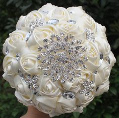 Handmade Ivory Color Artificial Flowers: Bridal Flowers And Wedding Bouquets Decorated With Crystal And Jewelry