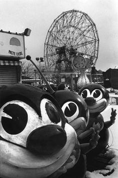 © Harvey Stein - Coney Island. S)
