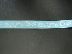 ruban gros grain bleu coeurs blancs : Rubans par les-petites-serviettes-de-cathy