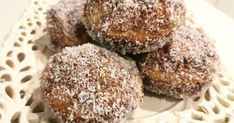 What could be easier than lamingtons made with packet cake mix and a pie maker?