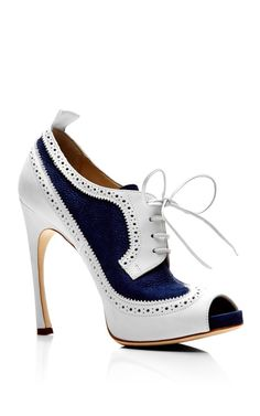 Shop Peep Toe Wingtip Brogue In Navy And White Nubuck Leather. This two-tone open toe Thom Browne shoe features wingtip brogue-style details, a pull tab at the back and a tonal covered sculpted stiletto heel. Dream Shoes, Crazy Shoes, Me Too Shoes, Pumps, Stilettos, Hot Shoes, Shoes Heels, Bootie Boots, Shoe Boots