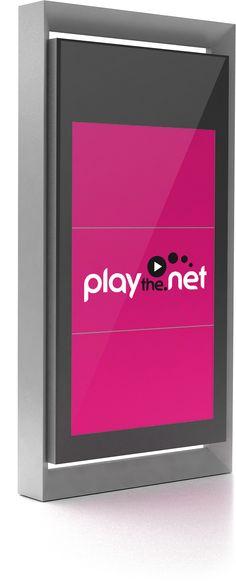 playthe.net lanza el primer tótem digital outdoor de 80 pulgadas de doble cara, el mayor de este tipo que se fabrica actualmente en el mundo