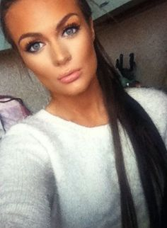 DO NOT DO THIS - Forehead a different colour to under the eyes? TOO MUCH CONCEALER!!!!