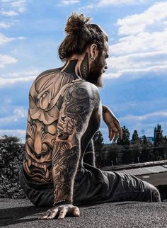 Hot guy ( with long hair and beard shows off his tattooed body. Body Art Tattoos, Sleeve Tattoos, Hair And Beard Styles, Long Hair Styles, Sexy Tattooed Men, Estilo Hipster, Pose Reference Photo, Tattoo Hals, Inked Men