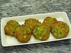 epätrendikäs ruokablogi: Parsakaalipihvit uunissa Vegetarian Recipes, Muffin, Breakfast, Veg Recipes, Morning Coffee, Muffins, Cupcakes, Morning Breakfast, Cupcake