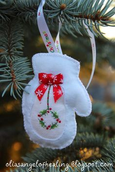Cross stitching Winter Christmas Glove Mit Ornament / Kreuzstich Weihnachten Handschuh Dekoration