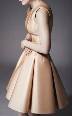 Zac Posen Resort 2015 Trunkshow Look 1 on Moda Operandi