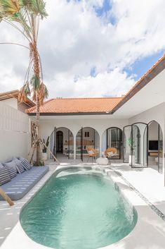 House Bali, Retreat House, Beautiful Villas, Dream Home Design, Pool Designs, Future House, Architecture Design, House Styles, Houses