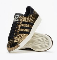 Adidas Women Shoes - Adidas gold and black plated toe New with tags no box left shoe very tiny nick on metal toe hardly noticeable. Adidas Shoes Sneakers - We reveal the news in sneakers for spring summer 2017 Adidas Shoes Women, Adidas Sneakers, Adidas Nmd, Nike Women, Shoes Sneakers, Look Adidas, Painted Sneakers, Nike Free Runners, Tumblr Outfits