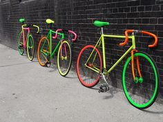 i should look for an old bycicle for sale and paint it like this :) #bycicle #ride #fluo
