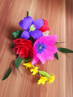 Colorful crepe paper flower bouquet − handmade by Ameli's Lovely Creations