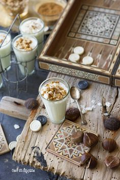 sahlab or salep a wonderful warm winter drink from the Middle east If I had to imagine what magical orchid clouds would taste like, this would be it! Yummy Drinks, Yummy Food, Tolle Desserts, Dubai Food, Egyptian Food, Winter Drinks, Dessert Decoration, Dessert Bread, Cafe Food