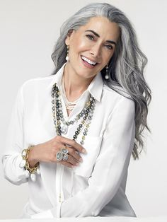 going gray before and after pictures Long Gray Hair, Silver Grey Hair, Short Hair, Pelo Color Plata, Silver Haired Beauties, Coiffure Hair, Salt And Pepper Hair, Beautiful Old Woman, Gorgeous Women