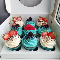 Cupcakes uploaded by Trang Lê on We Heart It Cute Desserts, No Bake Desserts, Delicious Desserts, Baking Desserts, Mini Cakes, Cupcake Cakes, Cupcake Recipes, Dessert Recipes, Fancy Cupcakes