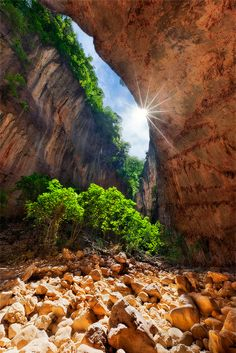 Garganta Verde Canyon in Southern Spain Places To Travel, Places To See, Beautiful World, Beautiful Places, Provinces Of Spain, Malaga Spain, Natural Park, Cadiz, Spain Travel