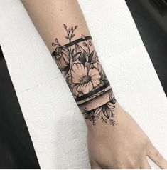 Sunflower Tattoo Archives - Garden Furniture Source by alescanda Arm Tattoo, Wrist Band Tattoo, Armband Tattoo, Cover Up Tattoos, Body Art Tattoos, Tatoos, Tattoo Maori, Samoan Tattoo, Polynesian Tattoos