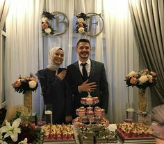Couple Gifts For Him Boyfriends Romantic Wedding Food Menu, Wedding Food Stations, Romantic Wedding Photos, Wedding Couples, Diy Photo, Cadeau Couple, Cute Muslim Couples, Moda Emo, Engagement Party Decorations
