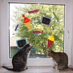 kasilou: Fensterdeko zum Schulanfang Cats, Animals, Decorating Ideas, Home Decor, Window Design, First Day Of School, School Children, Gatos, Animales