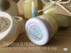 Combate y previene el acné, es super humectante, suavizante, exfoliante y anti-aging. Por eso nos encanta la miel