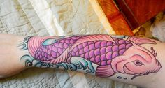 koi-fish-hand ~ http://heledis.com/what-asians-believe-as-meaning-of-koi-fish-tattoo-designs/