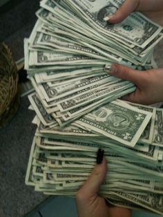 Now this is a cash flow...i hate it when people on insta are all like #got that cash flow....when iys only like 5 ones