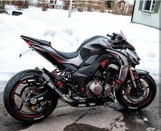 Ideas for motorcycle kawasaki sexy - Helen Thomas Kawasaki Cafe Racer, Kawasaki Motorcycles, Cool Motorcycles, Triumph Motorcycles, Ducati, Moto Design, Bike Design, Custom Street Bikes, Custom Bikes