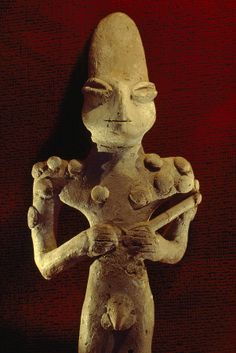 ✮ A Ubaid terra-cotta fiqure dating from 3500 B.C - Baghdad
