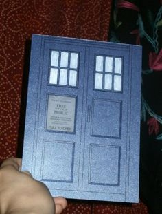 Tardis wedding invite.    if i ever get married again, i guess he better be a Whovian...because this is AWESOME!