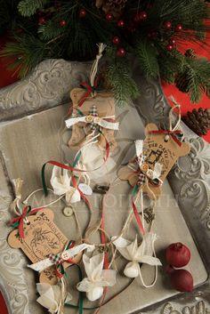 Βίνταζ χριστουγεννιάτικη κρεμαστή μπομπονιέρα με μινιατούρες ραπτικά