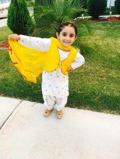 Indian Dresses For Kids, Kids Indian Wear, Wedding Dresses For Kids, Indian Outfits, Cute Baby Girl Photos, Cute Little Baby Girl, Cute Girls, Baby Girls, Kids Dress Wear