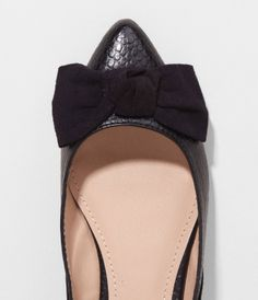 pointed tow bow flats