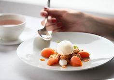14 Gault Millau Kitchen Adelboden, Hotel Bellevue, Panna Cotta, Breakfast, Ethnic Recipes, Food, Morning Coffee, Dulce De Leche, Essen