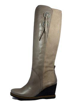 BHI52022_OLAF_SAUVAGE-I5_VISION___CROSTA_VISION Olaf, Wedges, Boots, Fashion, Crotch Boots, Moda, Fashion Styles, Shoe Boot, Fashion Illustrations