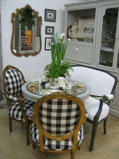 Adorable 101 French Country Dining Rooms Decoration Ideas https://besideroom.com/2017/07/29/101-french-country-dining-rooms-decoration-ideas/