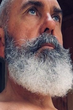 When many guys grow a beard, they think they have finally found the key to doing absolutely nothing when it comes to bathroom maintenance. Letting the beard grow is not a get-out-of-jail-free card for neglecting any type Beard Styles For Men, Hair And Beard Styles, Hair Styles, Bald With Beard, Full Beard, Moustaches, Beard Images, Beard Head, Beard Haircut