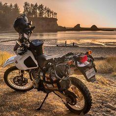 Late afternoon Oregon beaches  with a dark orange sunset. It was a great day!✔ °°°°°°°°°°°°°°°°°°°°°°°°°°°°°°°°°°°°°°° #Advsyndicate #DirtHammers #XLAdv #Adventurerider #Adventureriding #Motorcycletouring #ADVLife #AdvRider #Overlanding #DR650 #Dualsport #Dualsportlife #Bigtrail #ADVMoto #instamoto #Instamotorcycle #Makelifearide #Motoadventure #Motociclismo #MotoPhoto #Motorcycle #Motorcyclelife #DualSportPanama #BigtrailVenezuela #Mototravel #Mototrip #Mototurismo #jns_engineering #...