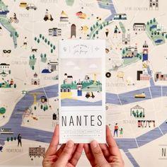 City Guide Nantes – Julie Flamingo – City Guide Graphics - New Site London City Guide, Amsterdam City Guide, New York City Guide, Buch Design, Map Design, Design City, Graphic Design, Flyer Design, Layout Design