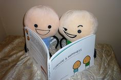 'Cyanide & Happiness' plush dolls reading 'Cyanide & Happiness' book.... i want!!!!