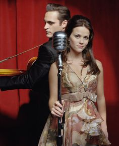 Joaquin Phoenix & Reese Witherspoon-Walk the Line