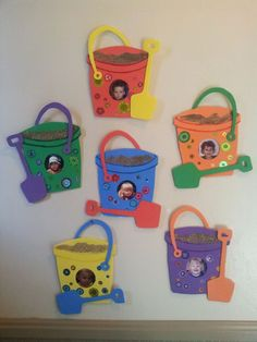 Summer days Daycare entry pics - Sand pail and shovel - saved by George -n- Rebecca Richins Daycare Crafts, Classroom Crafts, Preschool Crafts, Beach Theme Preschool, Ocean Crafts, Baby Crafts, Fun Crafts, Summer Arts And Crafts, Summer Art Projects