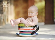 Love this baby pic idea