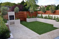40 Incredible Modern Garden Landscaping Design Ideas On a Budget A modern or contemporary garden is characterized by a sleek, streamlined and sophisticated style. Modern garden designs draw on the simplicity of Asian des Back Garden Design, Backyard Garden Design, Garden Landscape Design, Patio Design, Landscape Designs, Back Garden Ideas, Garden Ideas With Decking, New Build Garden Ideas, Landscape Curbing